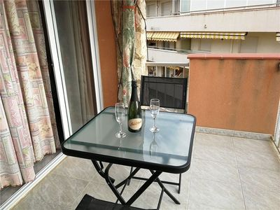 Photo for Nice apartment 60 m from the beach of La Pineda and Aquopolis