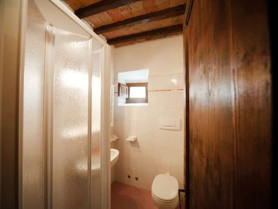 Photo for Apartment Casale Rosennano in San Gusmé - 4 persons, 2 bedrooms