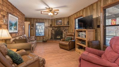 """Photo for Upper Canyon Lodging Co - """"Kozy Kabin"""" - Great Family Cabin in Upper Canyon"""