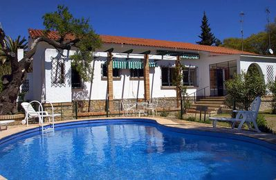 Photo for 4 bedroom Villa, sleeps 8 in Ronda with Pool, Air Con and WiFi
