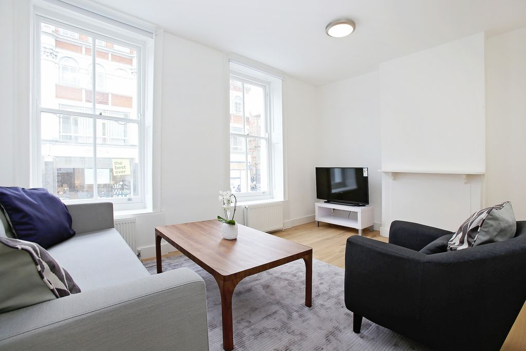 2BR FLAT NEAR THE THEATRE DISTRICT! SOHO - FITZROVIA