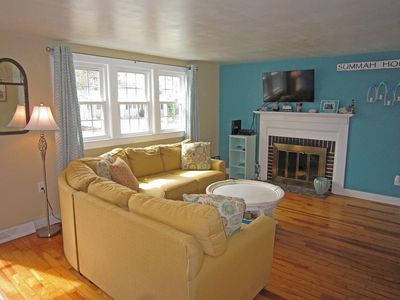 Photo for Cape Cod Charming - Bright & Spacious, A/C, Minutes to Long Pond
