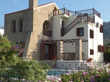 STUNNING VILLA WITH EXCEPTIONAL SEA & MOUNTAIN VIEWS. PRIVATE POOL & GARDENS
