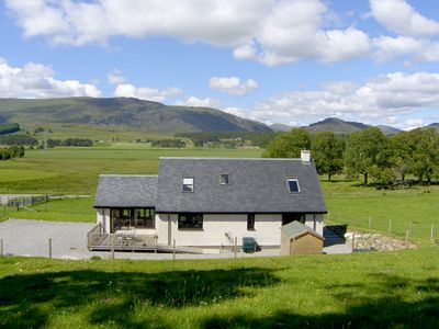 Photo for CREAG-NA-SANAIS, family friendly, with open fire in Laggan, Ref 1701