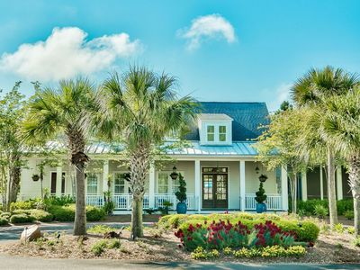 Waterfront cottage w/6 seat Golf Cart, Private Beach Access, Pool & Hot Tub!