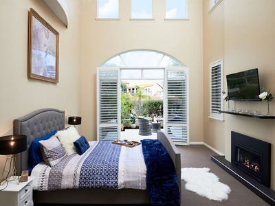 Photo for Sorrento Beach Manor - The Luxe