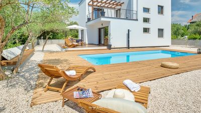 Photo for Great family villa with private pool near the sea