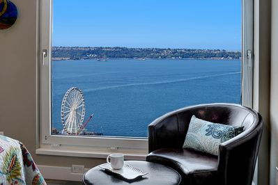 Grand view of Puget Sound and the Olympics right in your living room