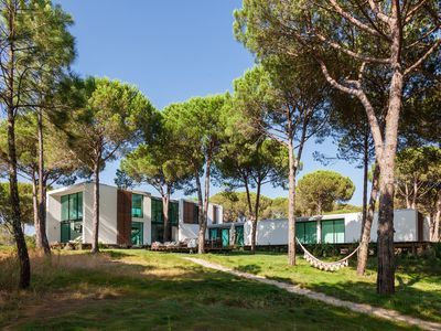 Photo for Large breathtaking private Villa with separate Guesthouse near COMPORTA'S Coast