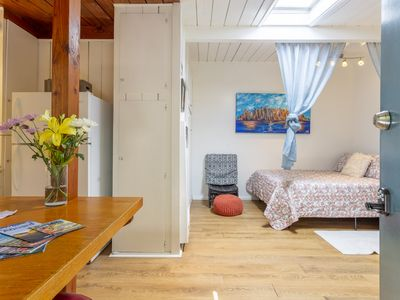 OB Cozy Cottage A - Walk to the beach!