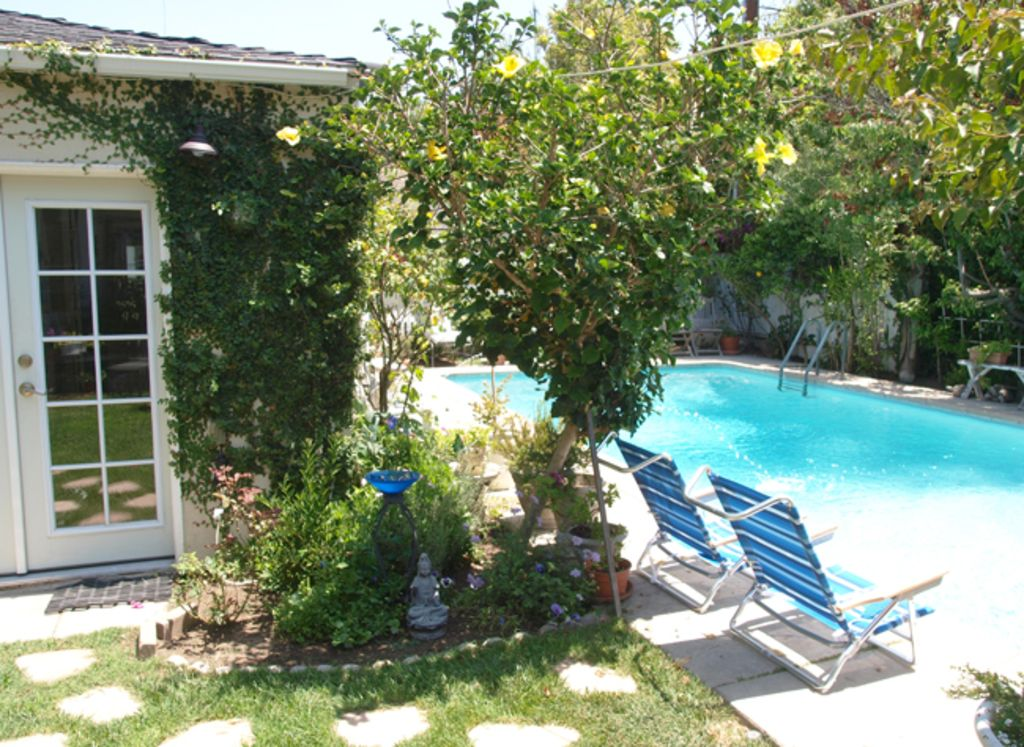 Renovated 1BR Culver City Cottage W Pool Garden