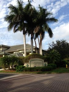 Palm Colony is a Beautiful & Friendly Community on a Peaceful Lush Golf Course.