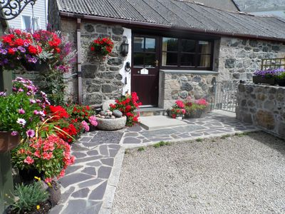 Photo for FORGET ME NOT, romantic, with a garden in St Keverne, Ref 937132