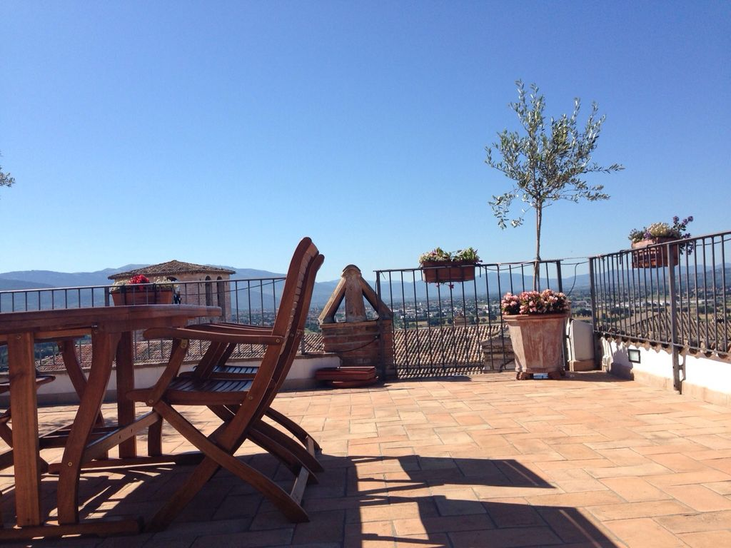 TERRAZZA PANORAMICA: LARGE ROOFTOP TERRACE, BREATHTAKING VIEWS ...
