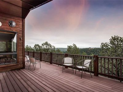 Photo for Awesome Views, 5 Bedrooms, Sleeps 10, Wet Bar, Views, Gas Fireplace