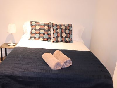 Photo for 1BR Apartment Vacation Rental in Reading, Berkshire