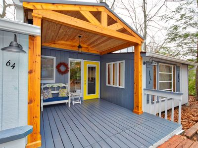 Photo for Covered porch is a fantastic place to begin or end your day the carefree way!