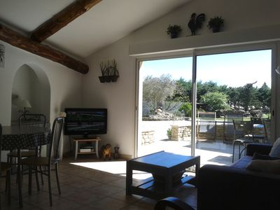 Photo for Le Chinaillon, holiday appartment in Saumane de Vaucluse, near facilities