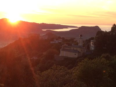 Photo for charming accommodation with beautiful sea and mountain views, 10 minutes from Saint-Florent