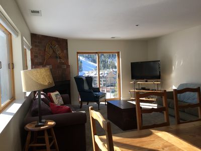 Living area with views of mountain. Short walk to the lifts.