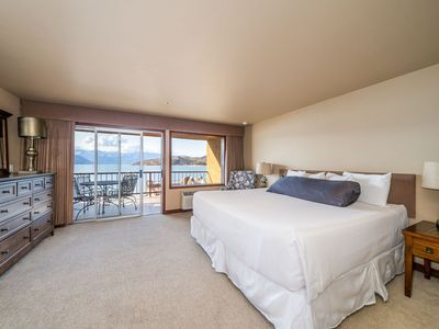 Photo for Grandvie Lake View 201! Waterfront King Suite with lake view! FREE WIFI