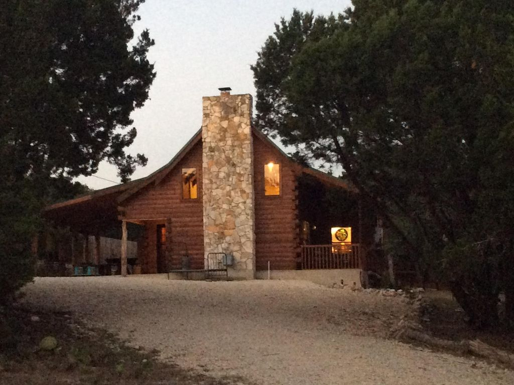 Beautiful Cozy Log Home By Lake River New Vrbo