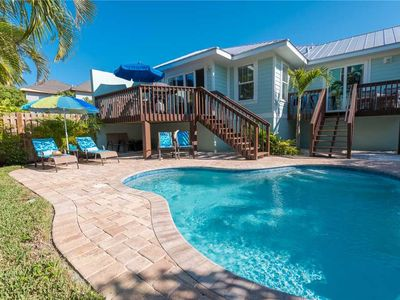 Private Heated Pool - 4 Minute Walk to the Gulf Beaches!