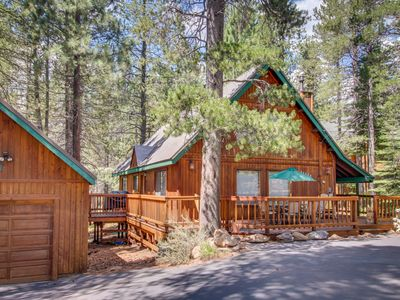 Photo for Roomy, cabin-style home w/ on-site golf & shared pool, hot tub, dock, and more!