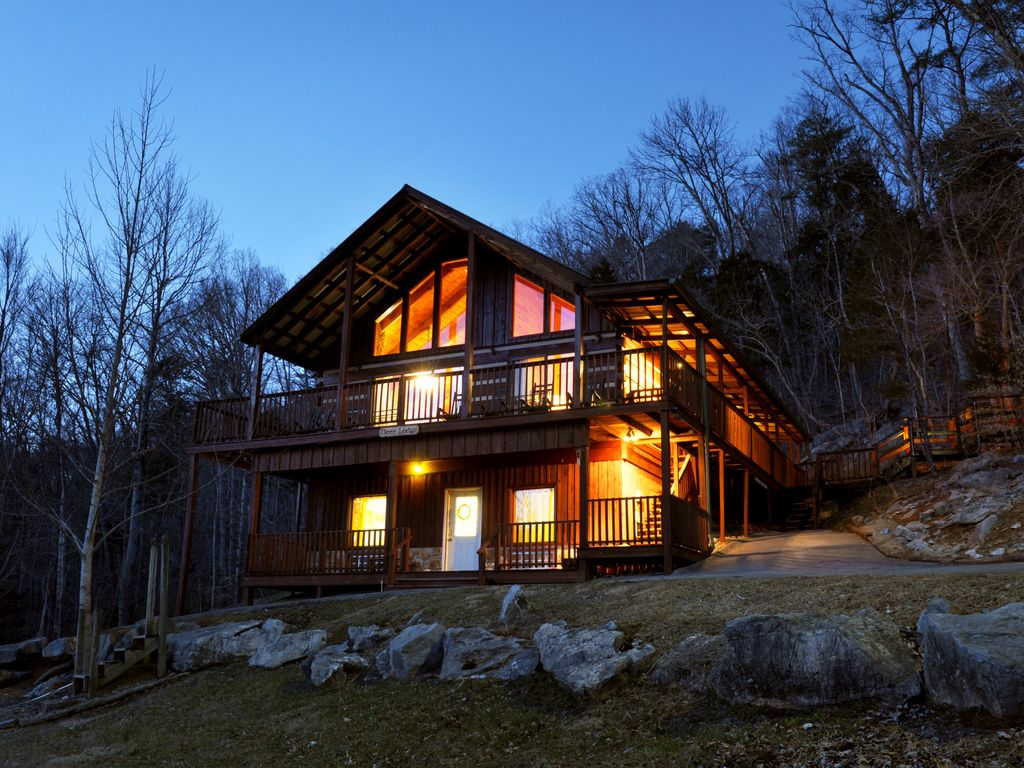 Family 4 3 5 log cabin in the smokies dee vrbo for Privately owned cabins in the smoky mountains