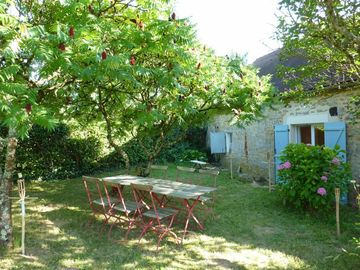 Nice typical house in french counrtyside, ideal for resting holidays in family!