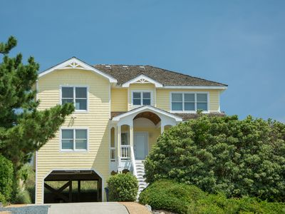 Leg-a-Sea : Oceanfront six-bedroom home with private hot tub and game room with pool table.