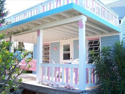 "Photo for Lovely 2 BR 1½ BA ""Pineapple Cottage"""