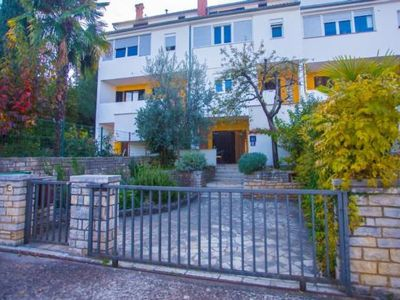 Photo for 1BR Apartment Vacation Rental in Pore?, Istrien