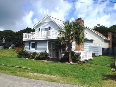 3 Bedroom Ocean view home 200 Steps to the beach