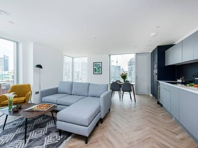 Photo for Stunning, modern 2 bed with city views