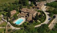 Beautiful apartment villa with stunning views of Tuscany's hills and vineyards