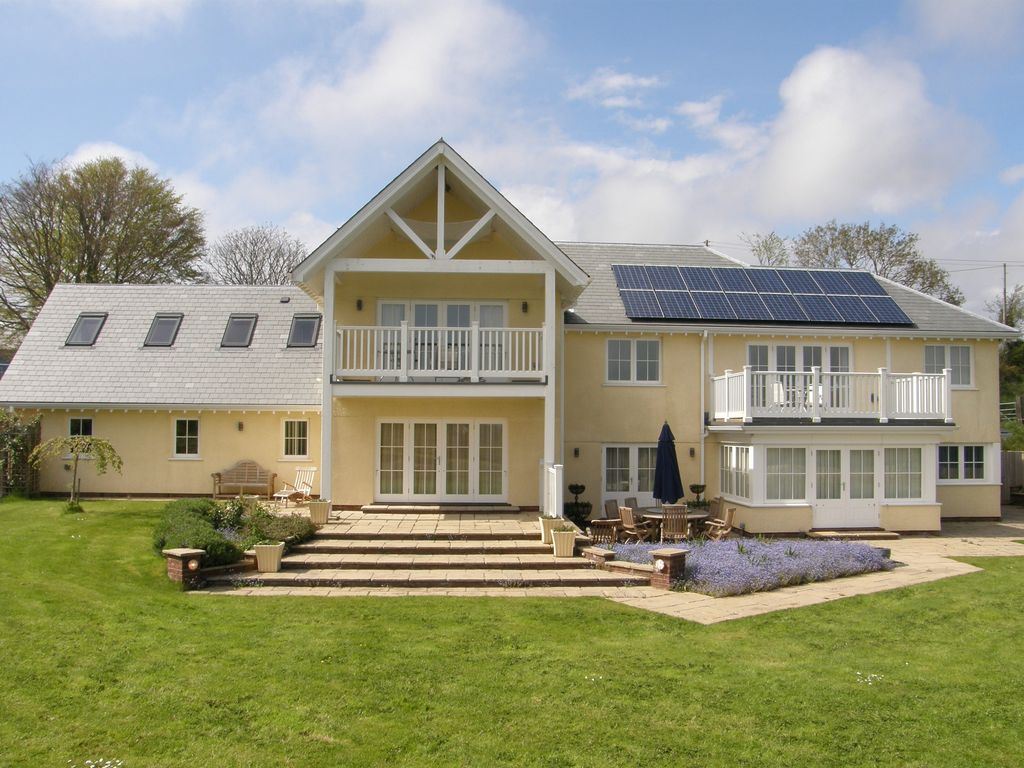 E13672 new england style house in rural branscombe close for New england style homes