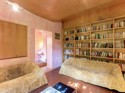 Photo for Beautiful apartment for 10 people with WIFI, TV, balcony, pets allowed and parking