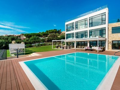 Photo for Luxury villa in Sicily near Syracuse and seafront with pool, AC, Wi-Fi