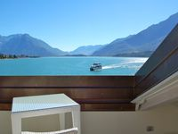 Fabulous villa right on the lake with stunning views