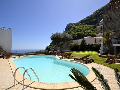 Photo for Residence Serenata E: A charming apartment that covers the entire ground floor of a villa, with Free WI-FI.
