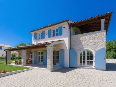 Photo for Wonderful private villa for 7 guests with A/C, private pool, WIFI, TV, pets allowed and parking