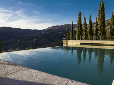 Photo for Indipendent luxury house with infinity pool. Stunning scenery views. AirCo WiFi