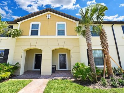 Photo for Charming 5 Bedroom Townhome Near Disney -Windsor Westside Resort 1909