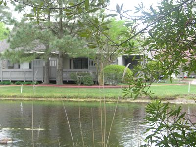 Updated Lakefront Condo; Close to Pool, Beach Shuttle, tennis, and fishing!