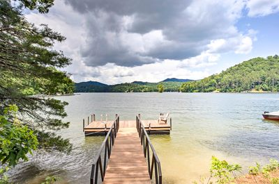 Enjoy direct access to the beautiful Lake Glenville!
