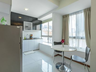 Photo for 1 Bedroom Condo Close to Eateries (BL1B)