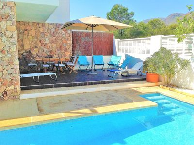 Photo for House with private swimming pool and garden close to the beach