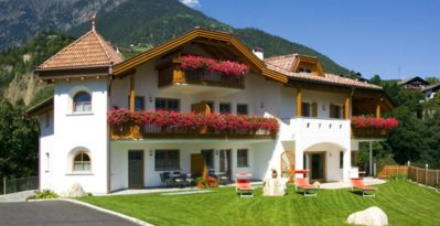 "Photo for Cosy holiday apartment ""Tischlerhof - Typ C"" with Wi-Fi and mountain view; parking available"