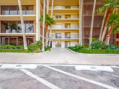 Ground-floor, waterfront condo w/ shared hot tub, pool, tennis - close to beach